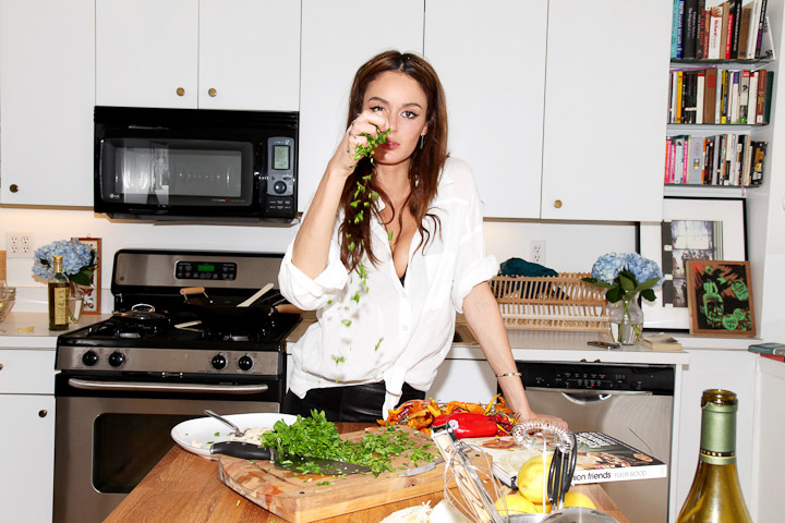 Window Cleaners In Leeds >> NICOLE TRUNFIO COOKING IN NEW YORK (PHOTO SHOOT FOR ELLE) | AO-AO