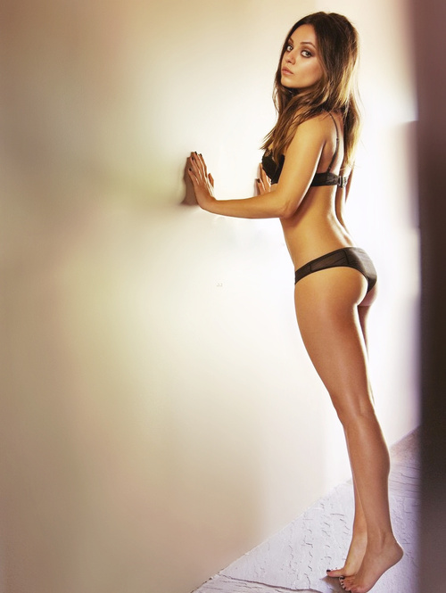 Mila Kunis je Esquire imenovala za najbolj seksi žensko-7172