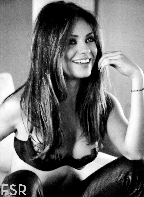 Mila Kunis je Esquire imenovala za najbolj seksi žensko-3954